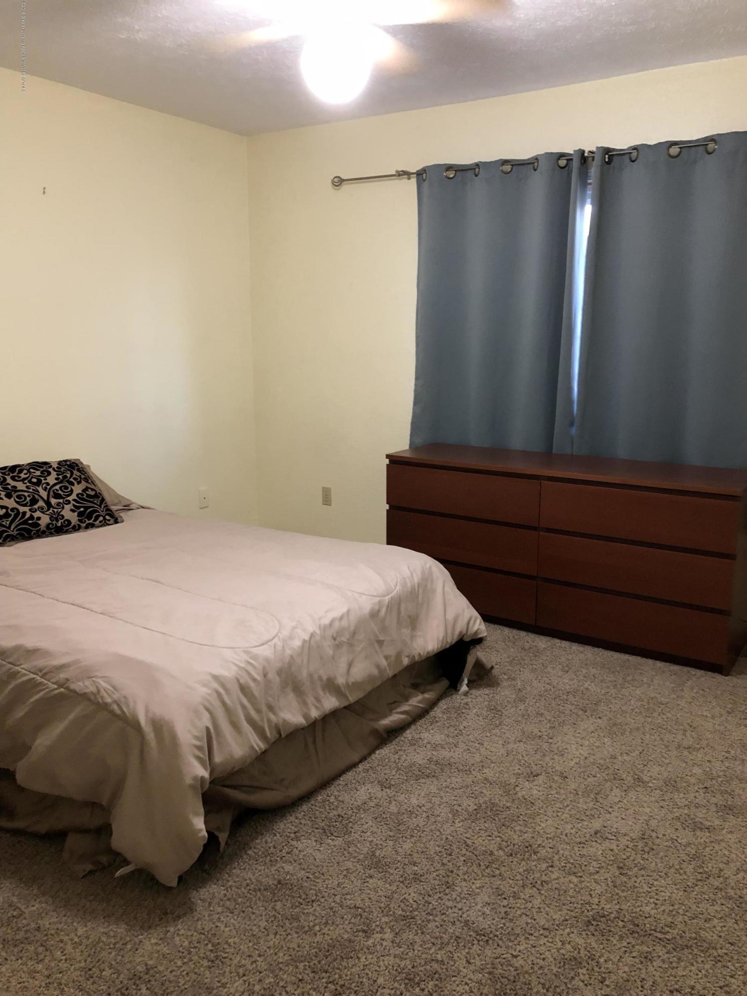 1533 N Hagadorn Rd 4 - Bedroom - 11
