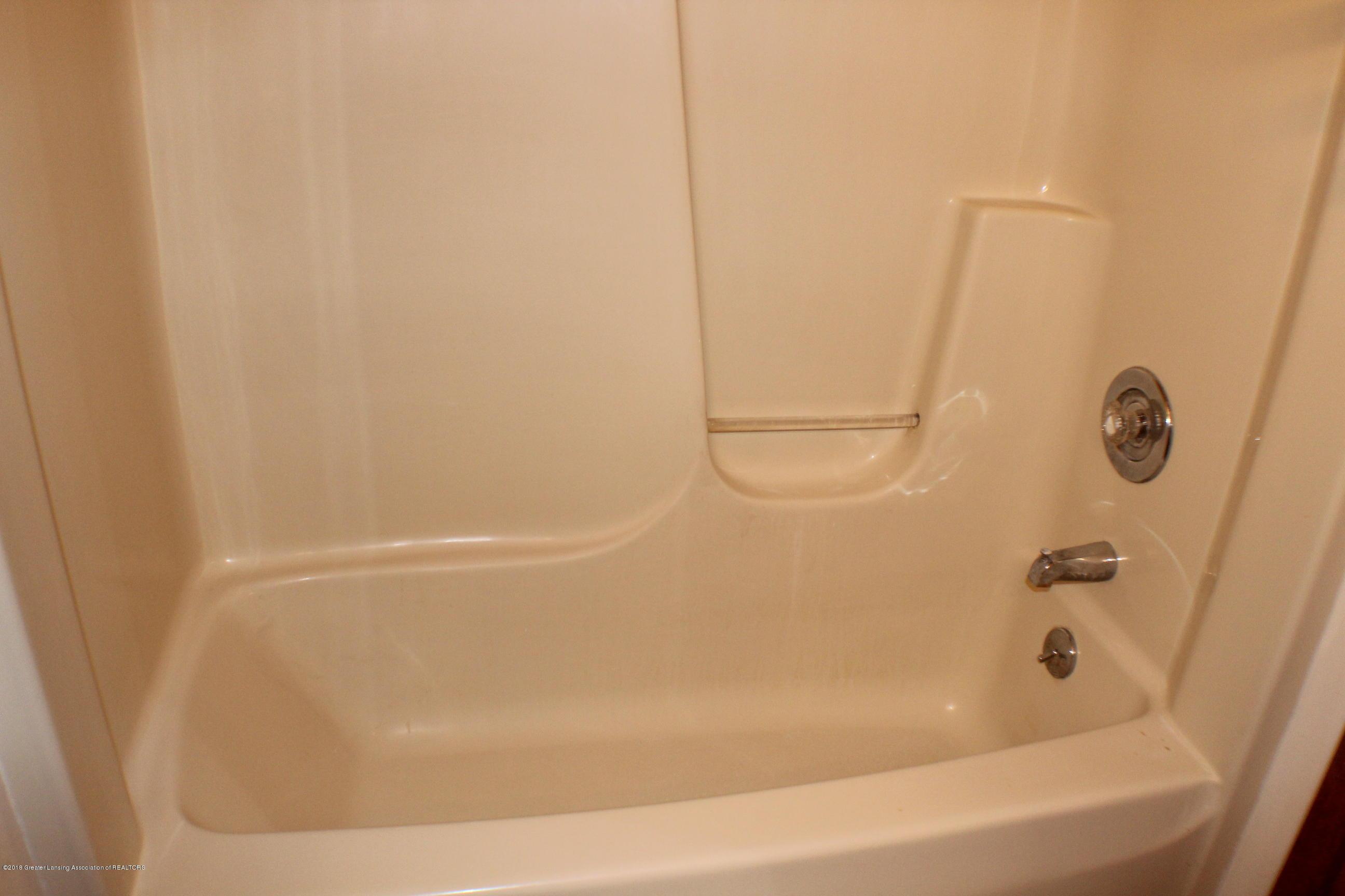 5552 Long Hwy - Bathroom - 16