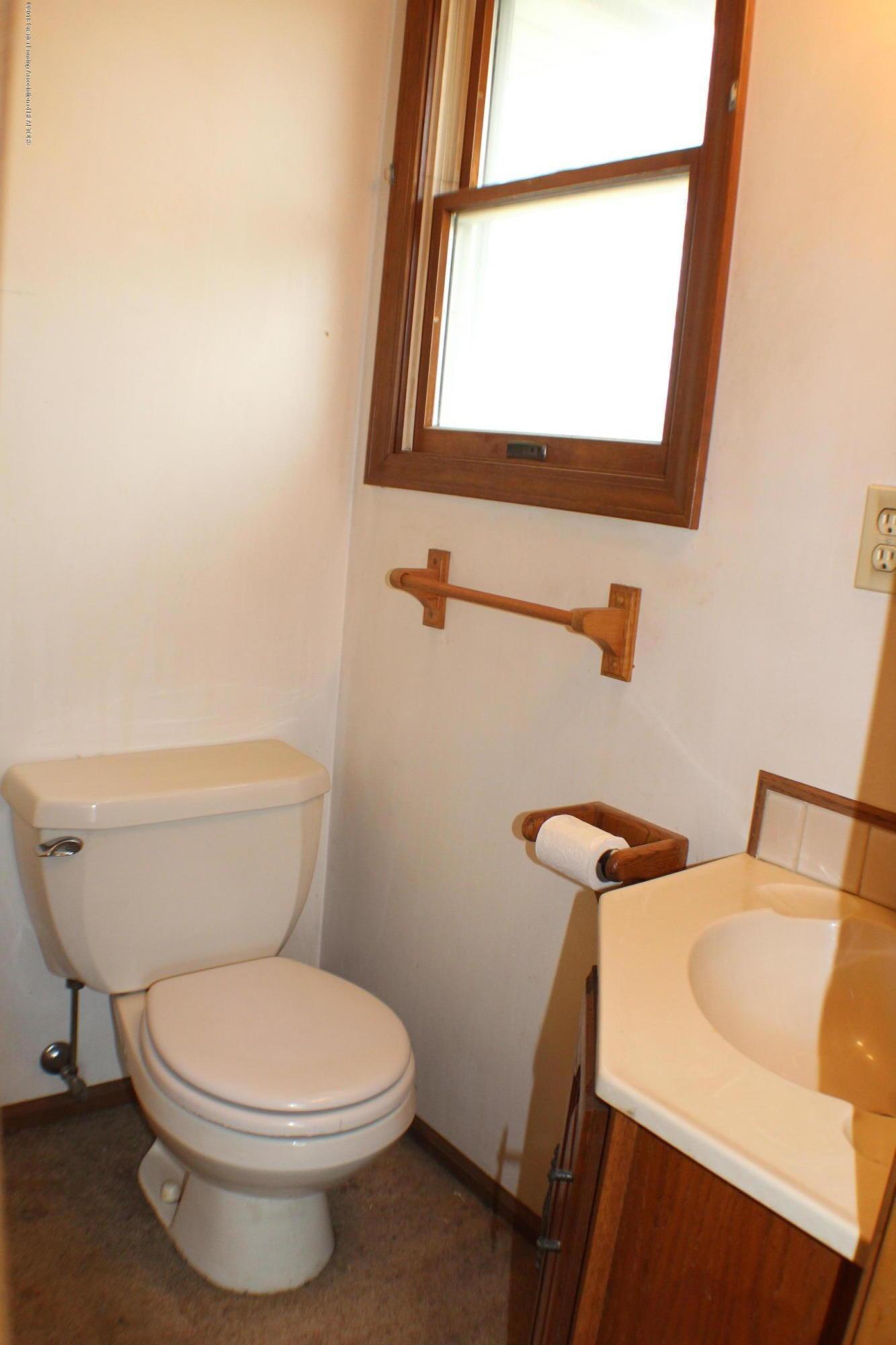 5552 Long Hwy - Half Bath - 13