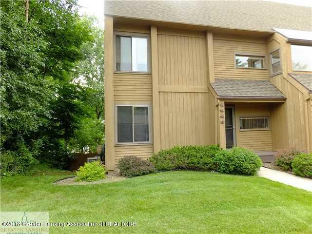 1446 Treetop Dr 3 - front view - 1
