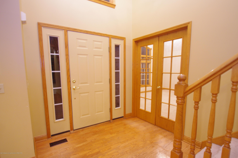 3202 Kari Cir - Foyer - 7