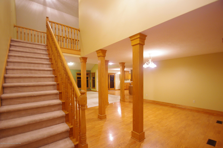 3202 Kari Cir - Stairs - 10