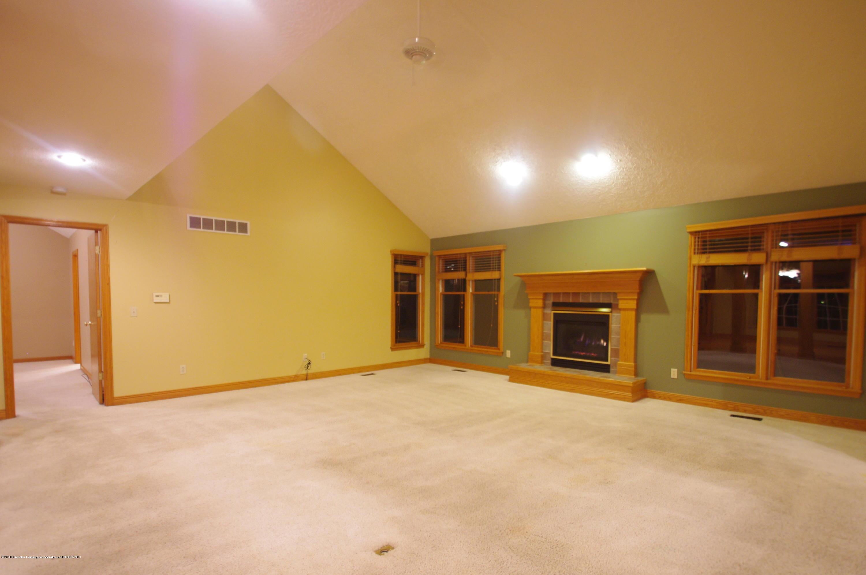 3202 Kari Cir - Living Room - 15