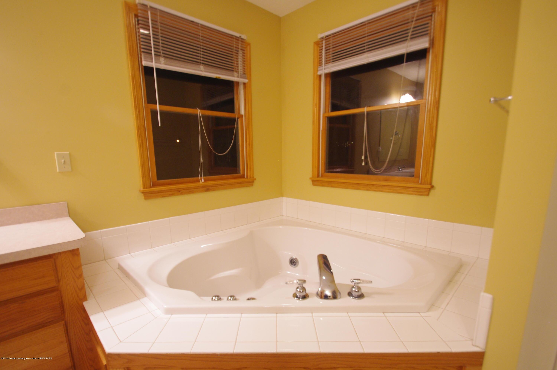 3202 Kari Cir - Master Bathroom - 33