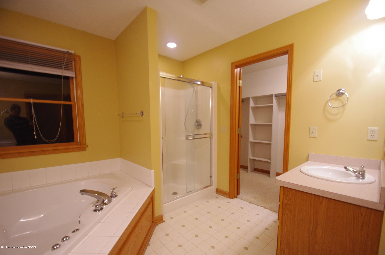 3202 Kari Cir - Master Bathroom - 34