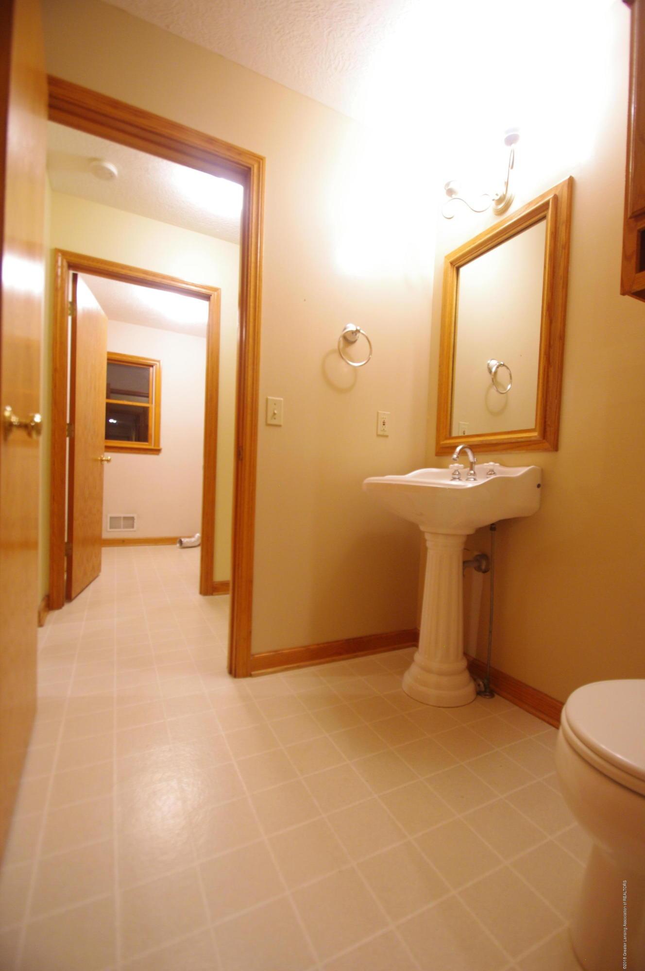 3202 Kari Cir - First Floor Bathroom - 28