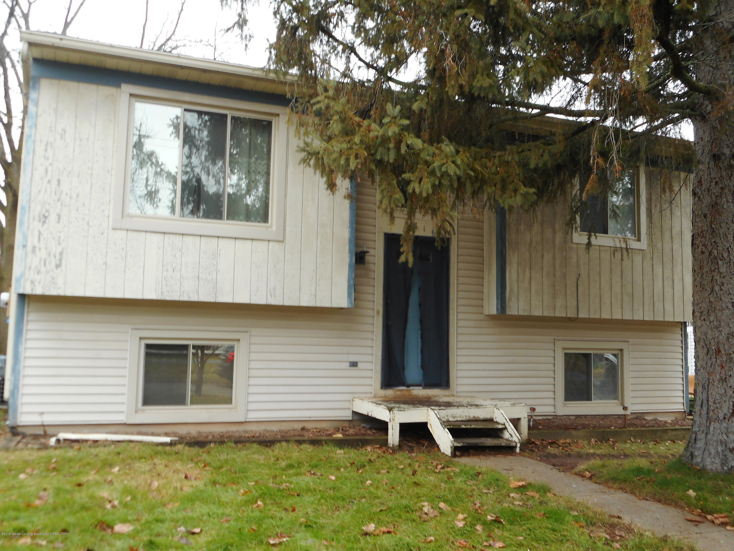 2516 Lyons Ave - Front Exterior - 1