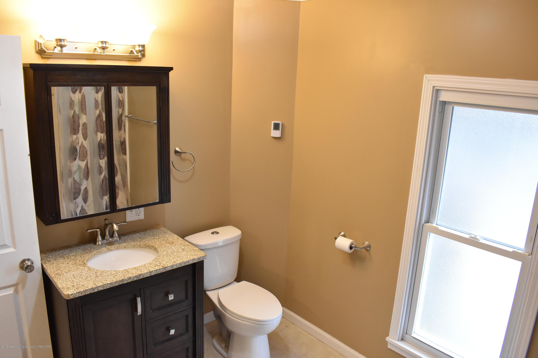 316 Bliss St - Bathroom - 14