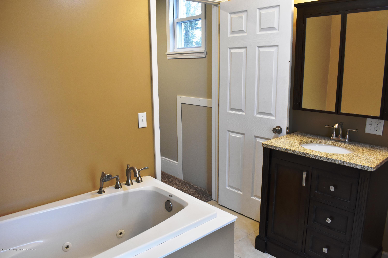 316 Bliss St - Bathroom - 15