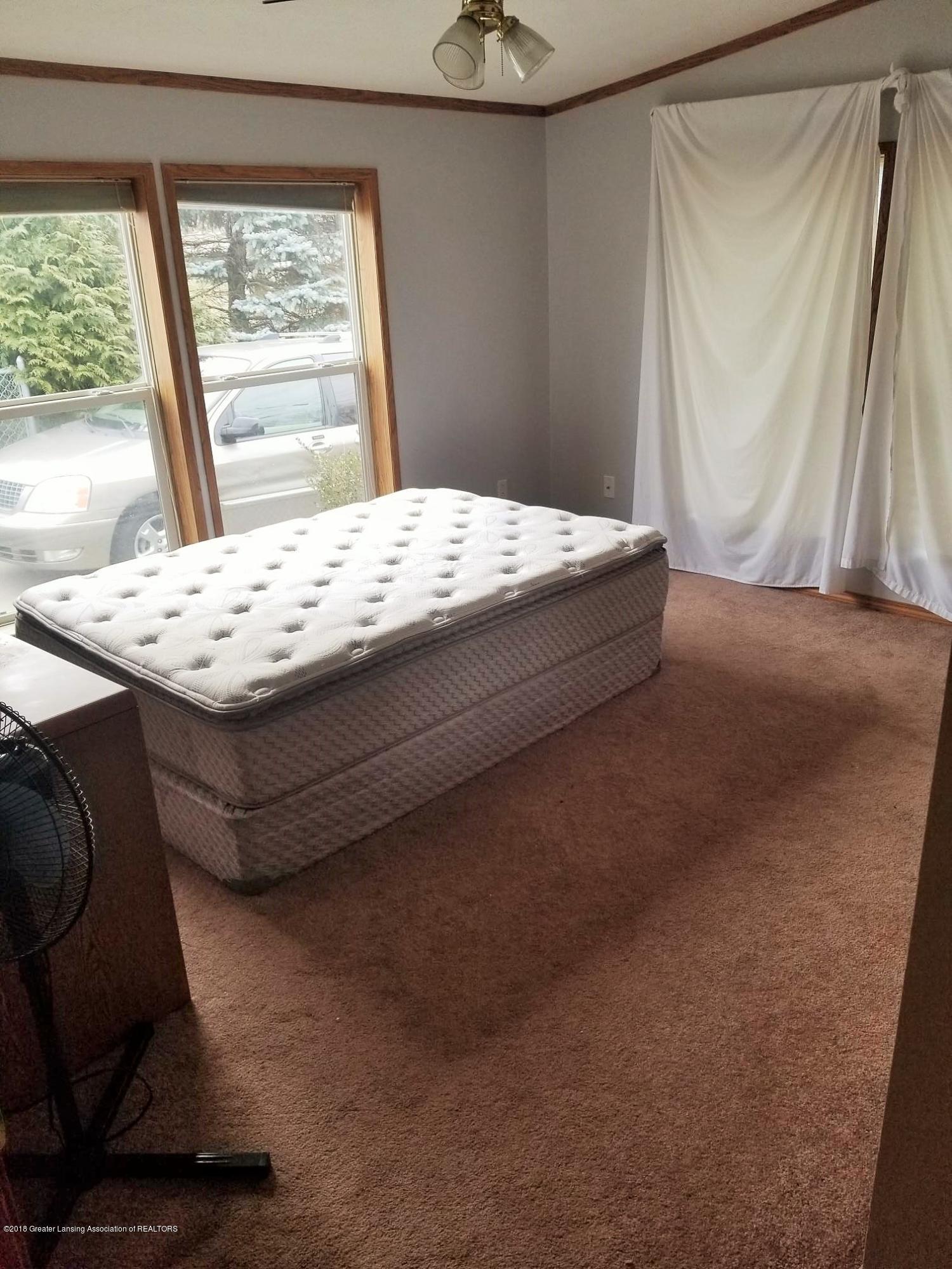 637 Tisdale Ave - Bedroom 2 - 8