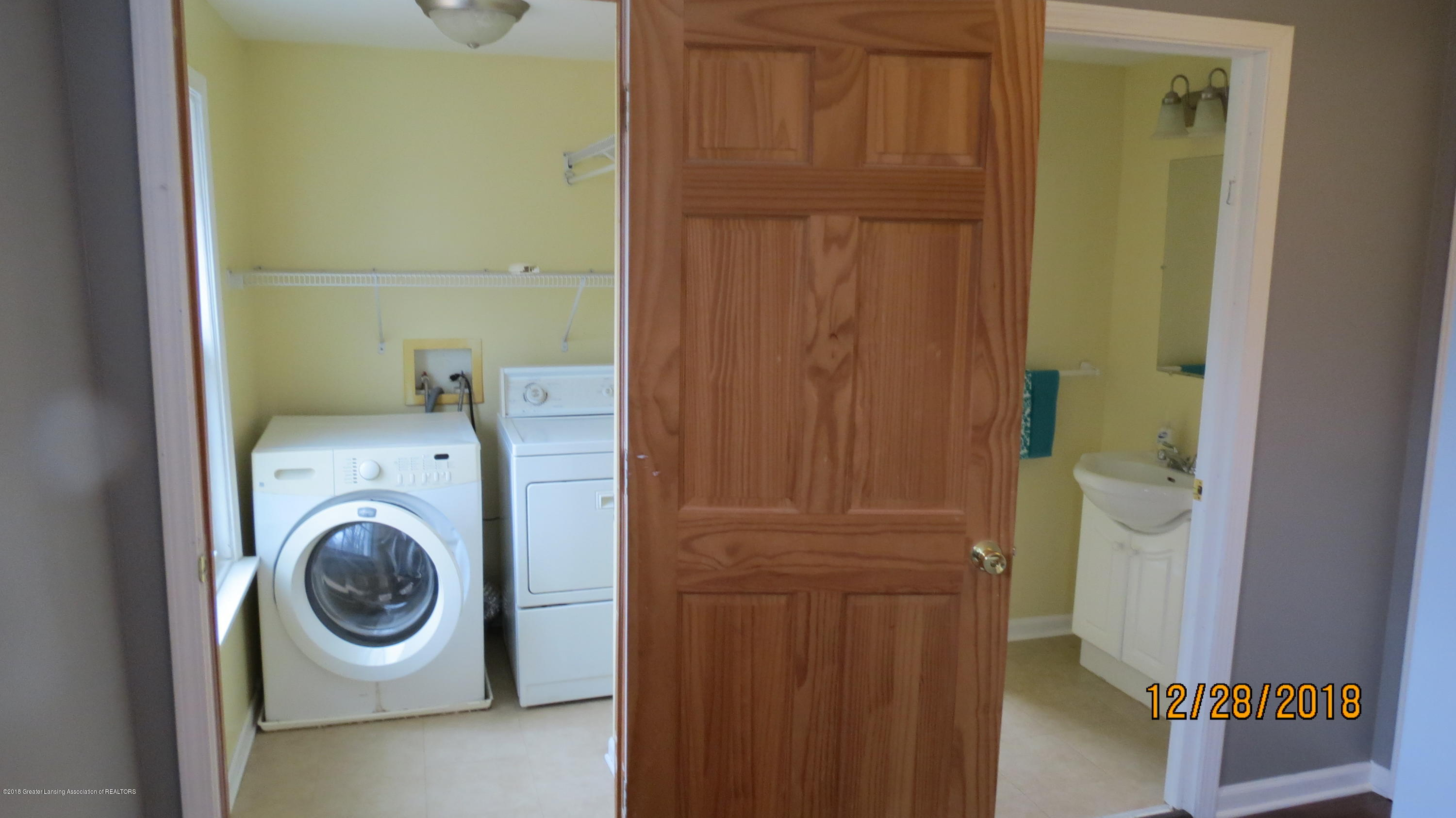 520 Pleasant St - Second Floor Laundry and Bathroom 2 - 46
