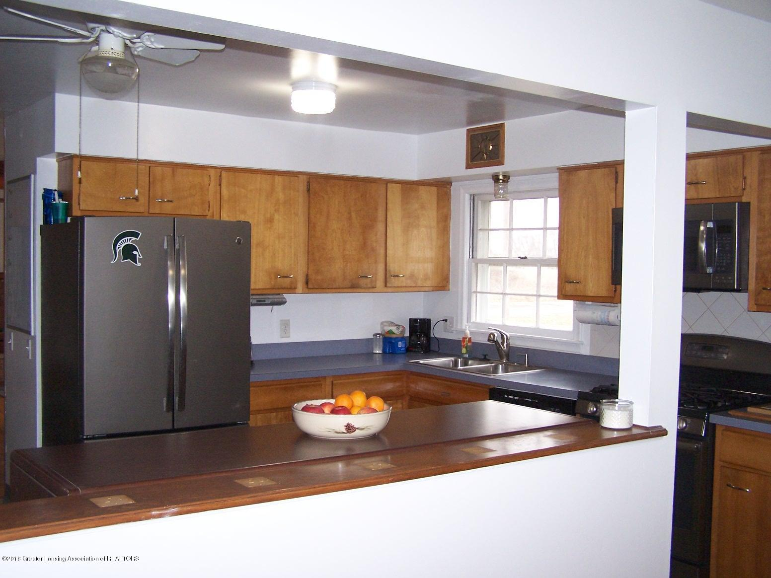 805 Raeburn Rd - kitchen - 10