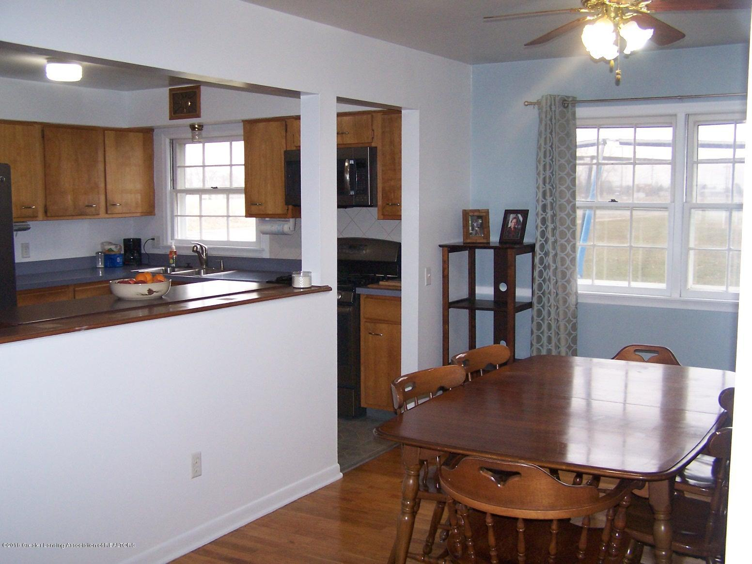805 Raeburn Rd - dinning room/ kitchen - 13
