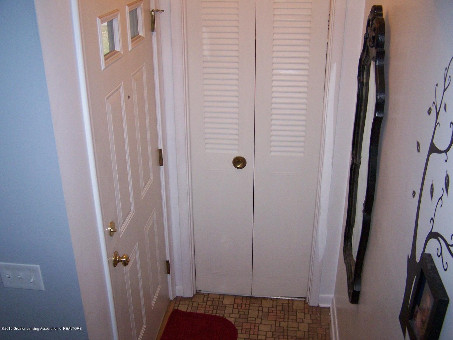 805 Raeburn Rd - Front Door - 2