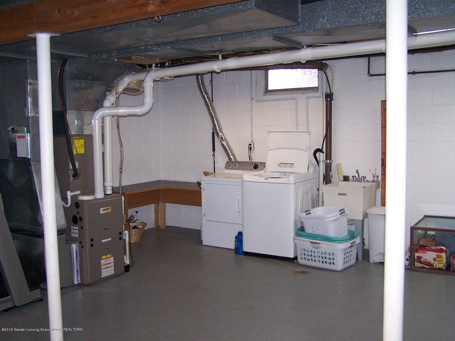 805 Raeburn Rd - Basement Laundry - 30
