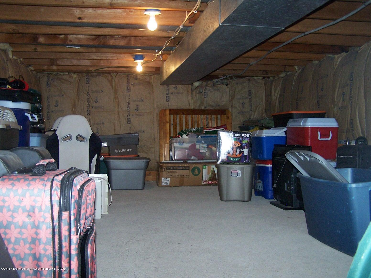 805 Raeburn Rd - Crawlspace Storage - 32