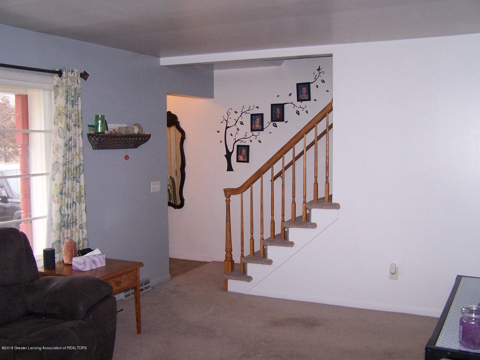 805 Raeburn Rd - stairs - 48
