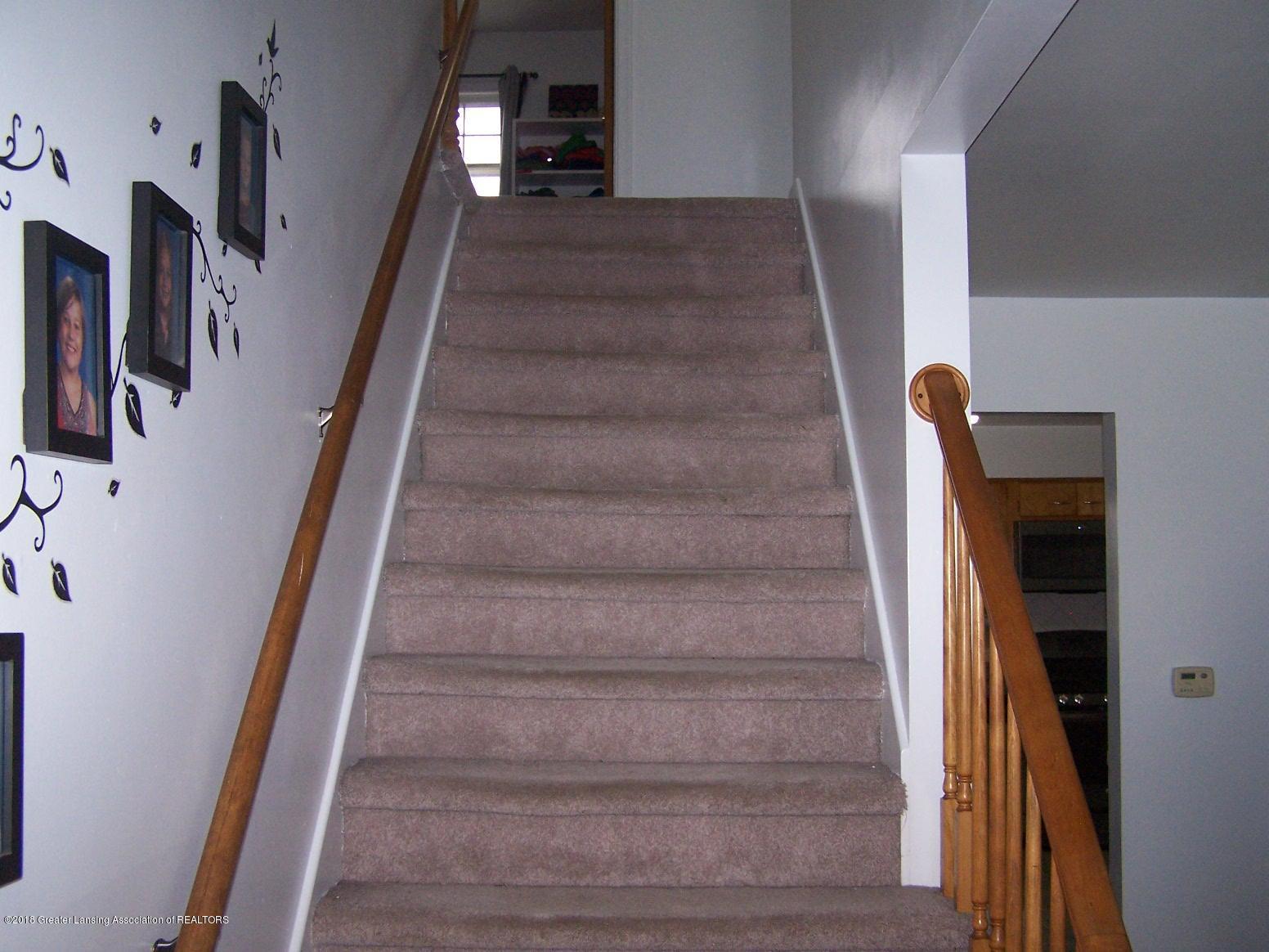 805 Raeburn Rd - stairs2 - 49