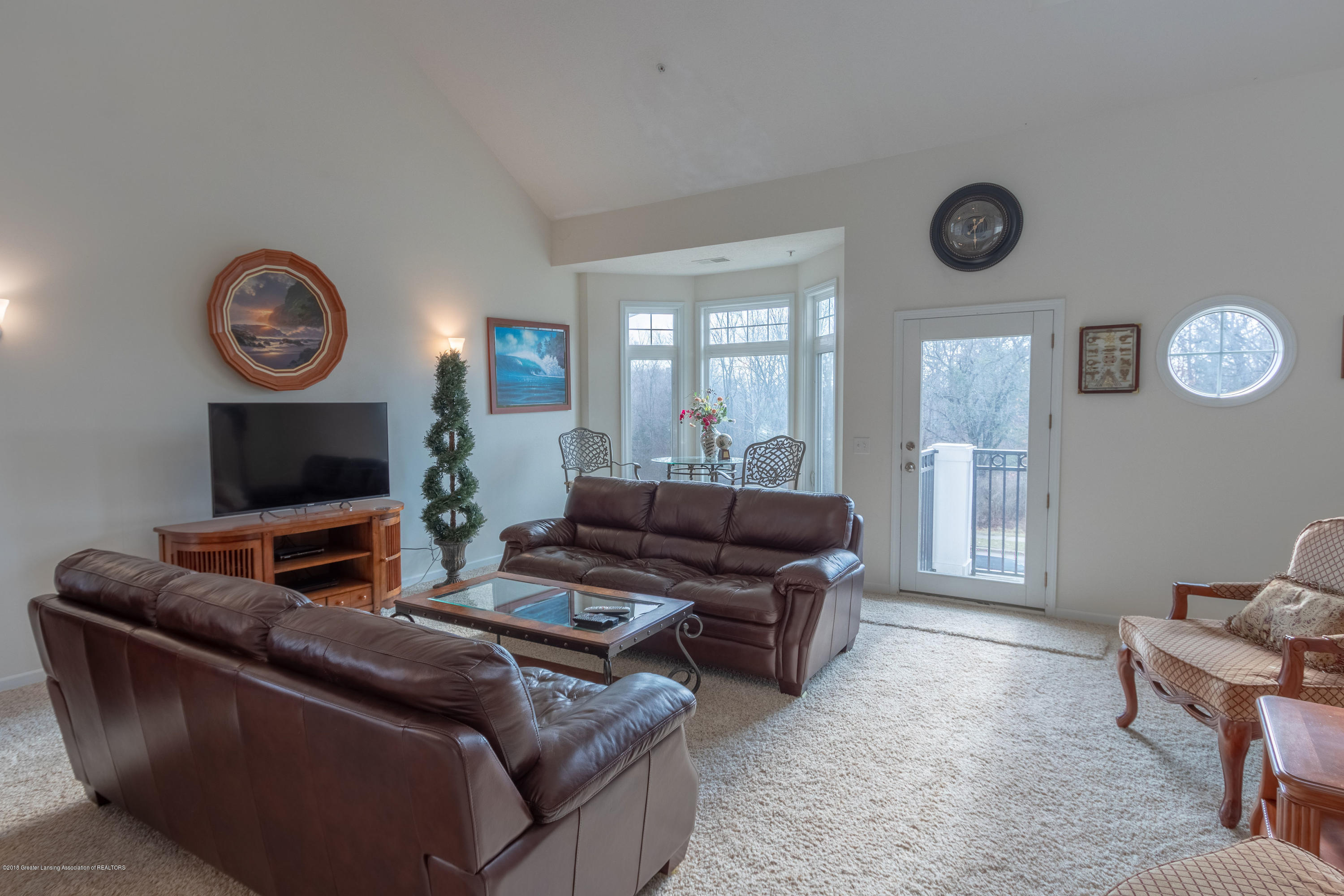2058 Central Park Dr - Living Room - 10