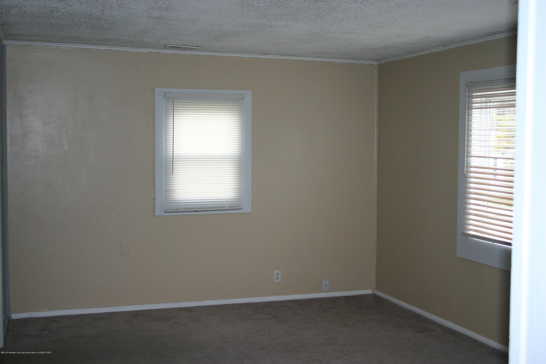 1406 N Martin Luther King Jr Blvd - Living Room - 3