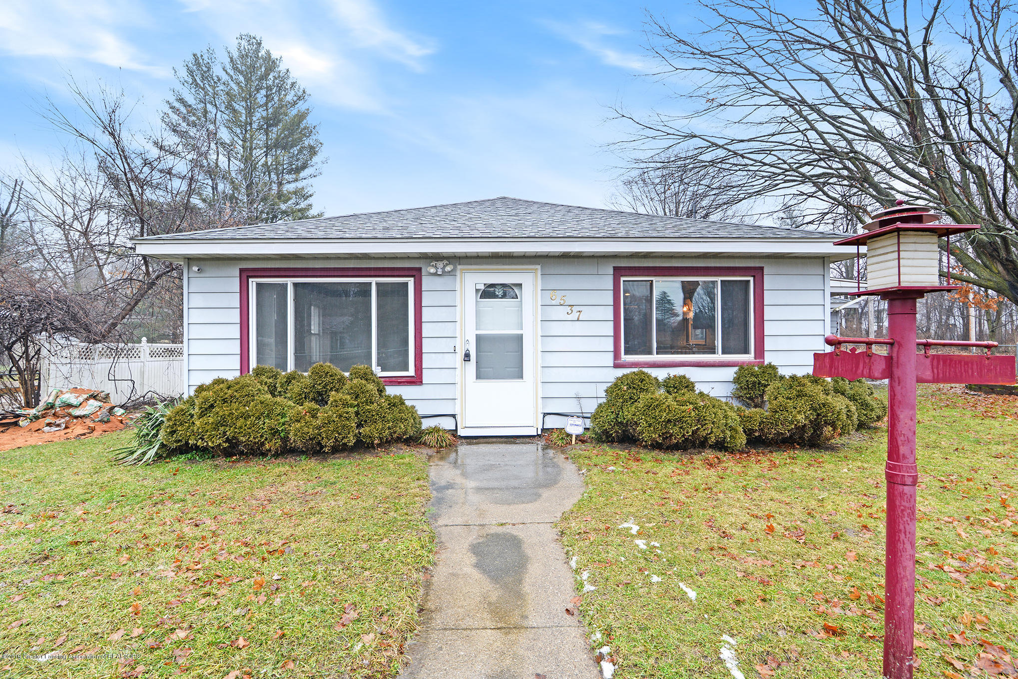 6537 Sommerset Rd - Front - 1