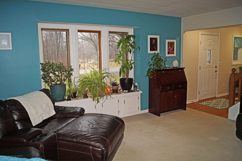 3927 W Herbison Rd - Living Room - 4