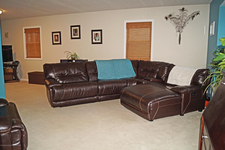 3927 W Herbison Rd - Living Room - 6
