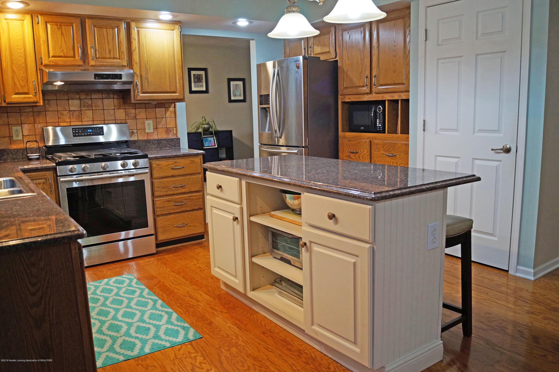 3927 W Herbison Rd - Island Kitchen - 9