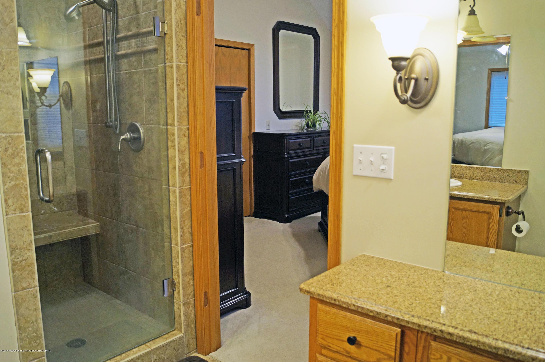 3927 W Herbison Rd - Master Bath - 21