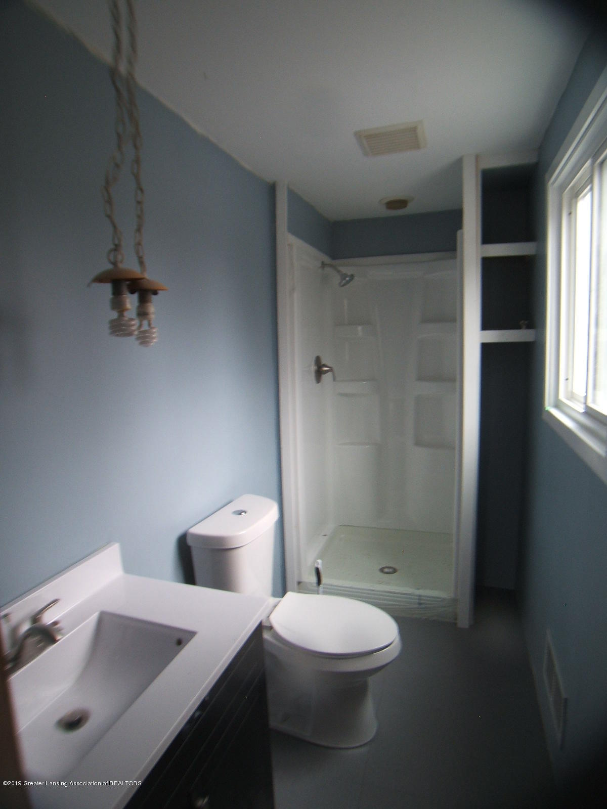 1002 Touraine Ave - Master Bath - Copy - 16