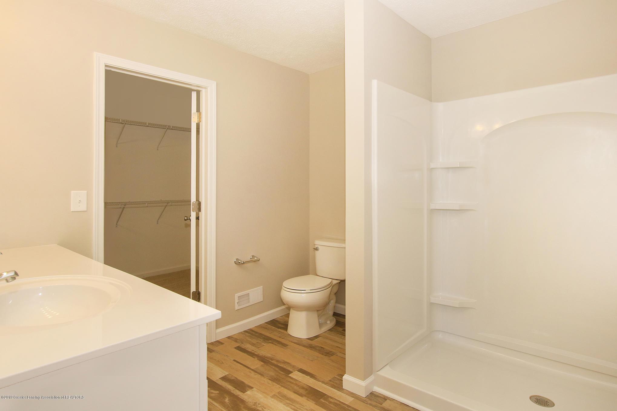 3524 Fernwood Ln - GDN067-C2040 Master Bath - 12