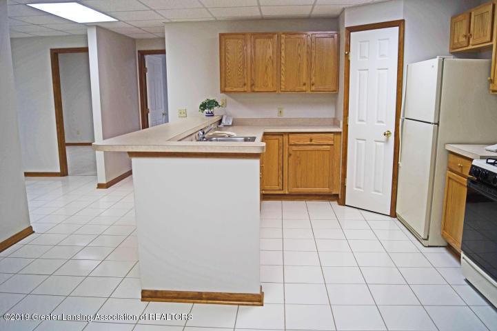 2863 Turtlecreek Dr - Basement Kitchen 3 018063017384101617700 - 24