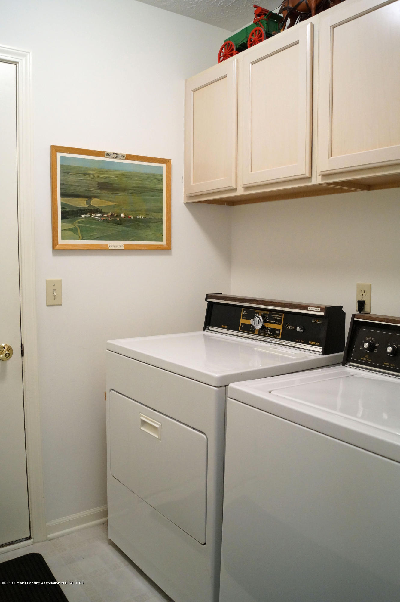 13564 Hunters Crossing - Laundry Room - 17
