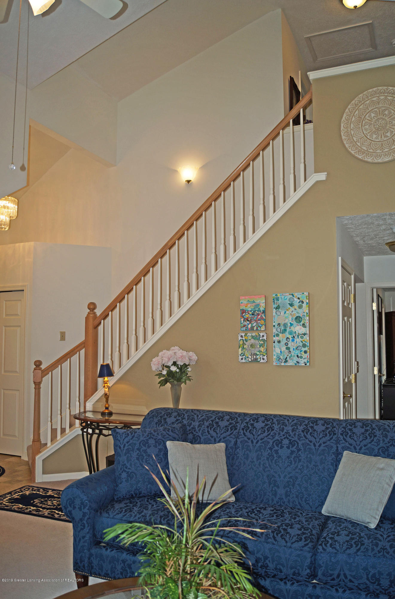 13564 Hunters Crossing - Staircase - 18