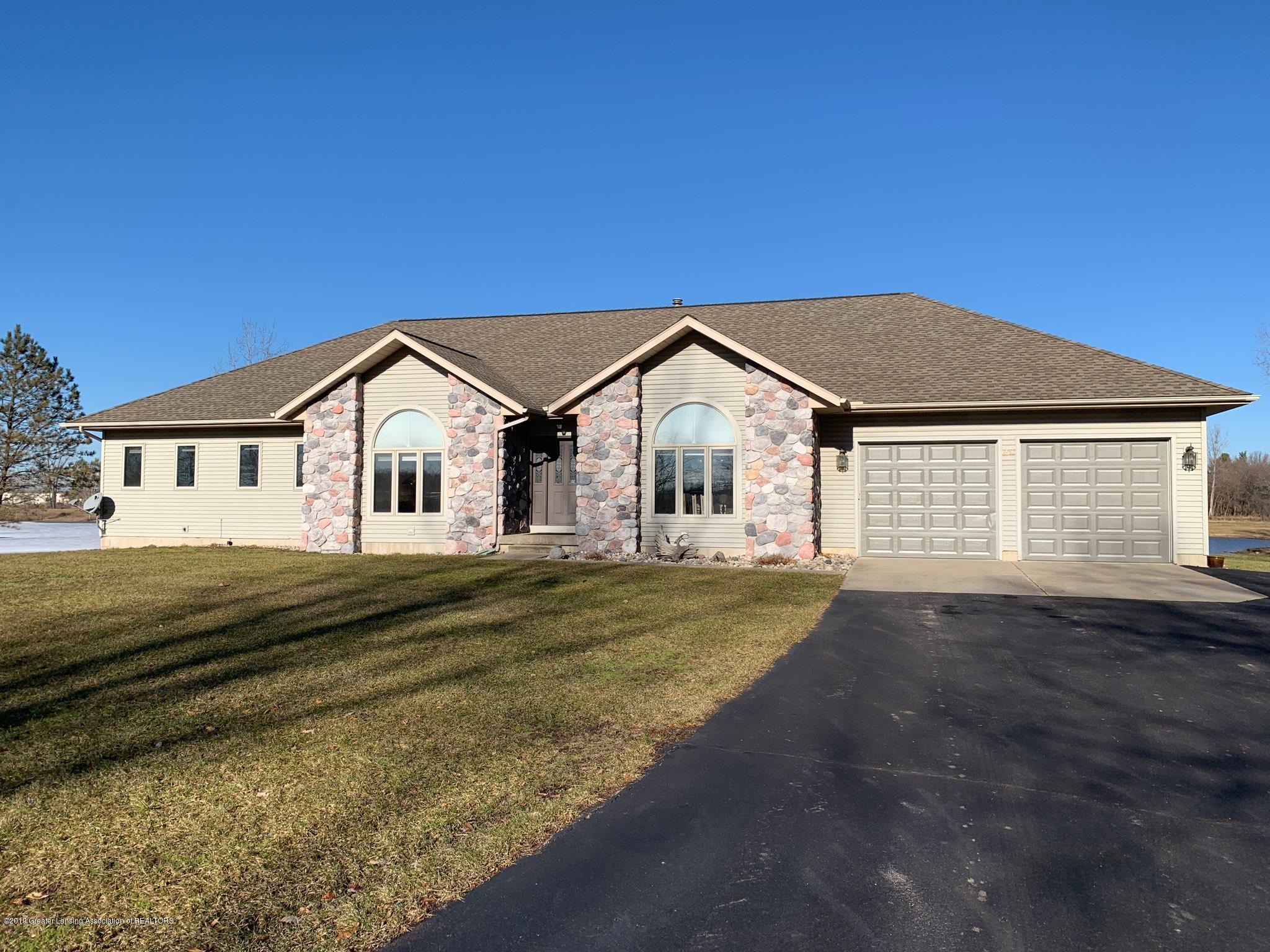 8558 Ironstone - Front - 1