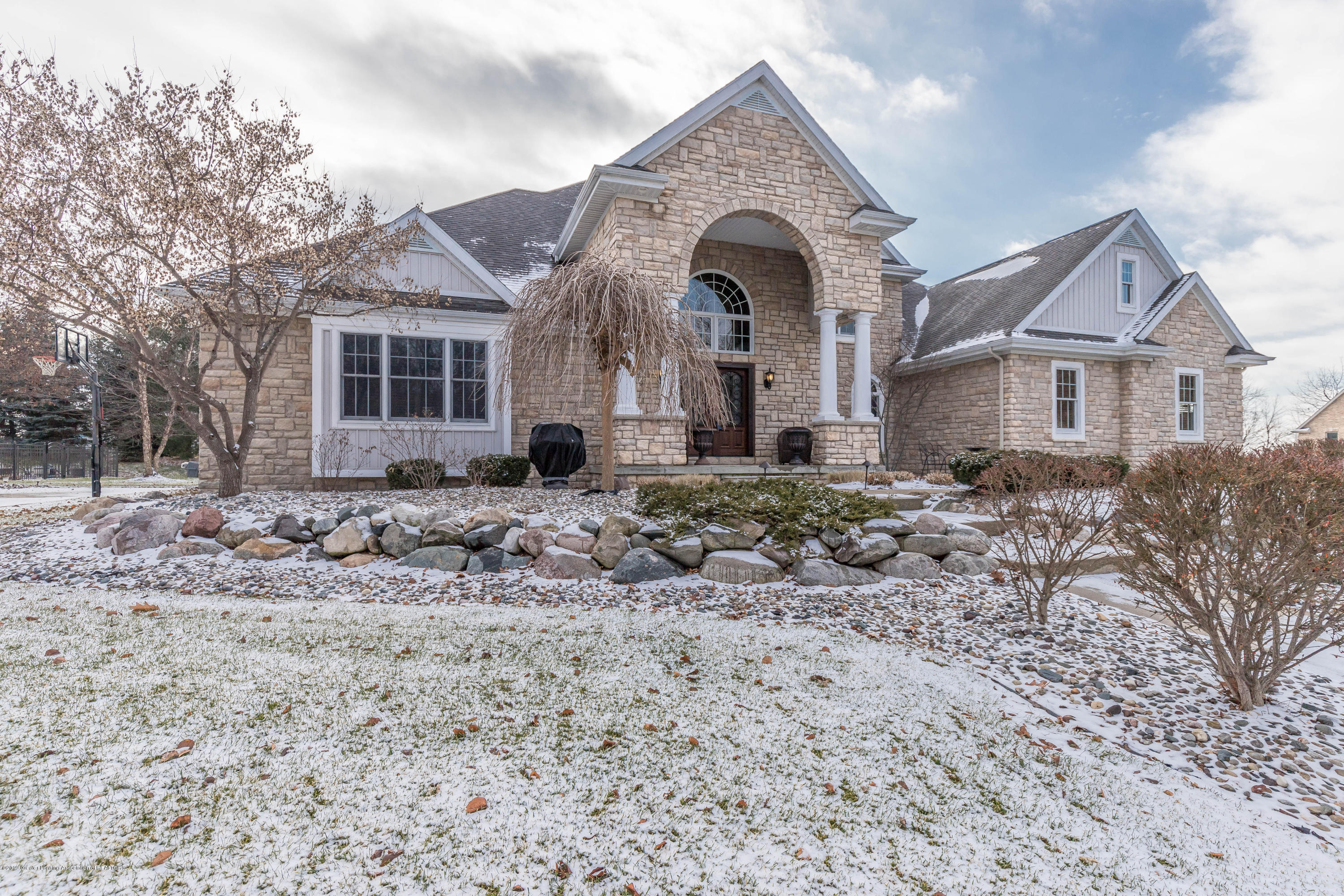 3401 Canopy Dr - canopyfront5 (1 of 1) - 2