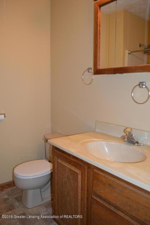 4567 Holt Rd - Full Bath - 12