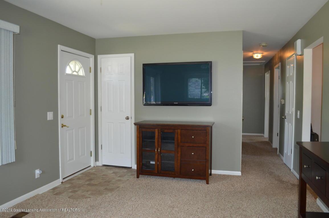4567 Holt Rd - Living4 - 6