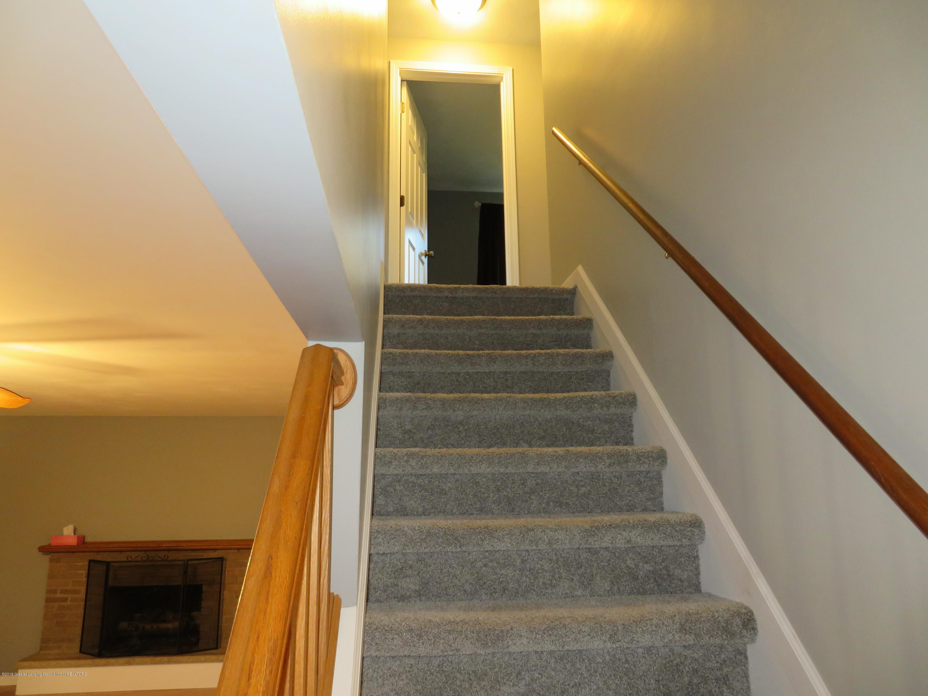 2836 Chateau Way - Stairwell - 14