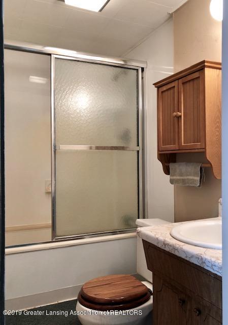 5061 E Clark Rd - Bath - 16