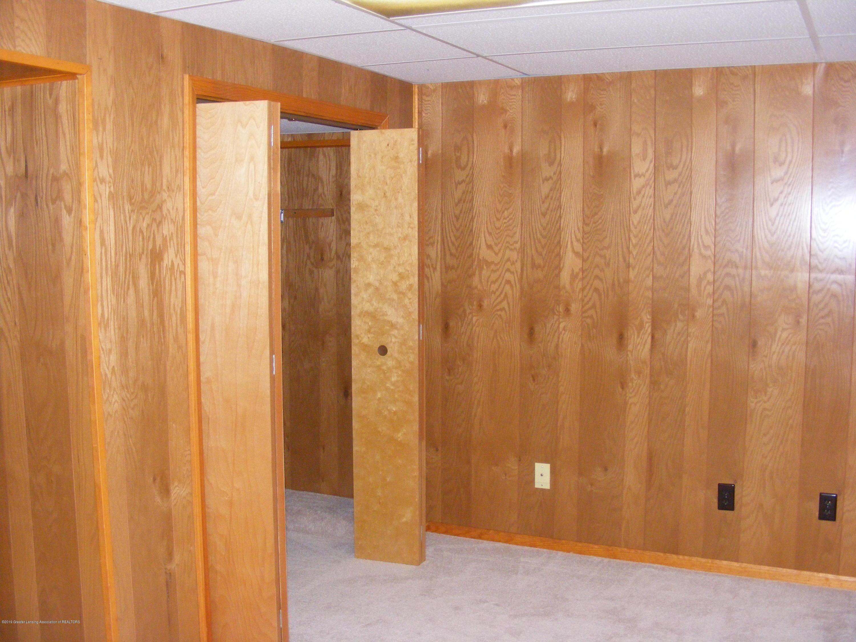 1305 Montgomery St - basement office den walk in closet - 13