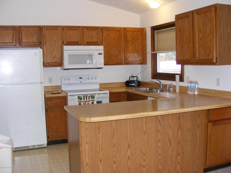 1305 Montgomery St - kitchen & bar - 22