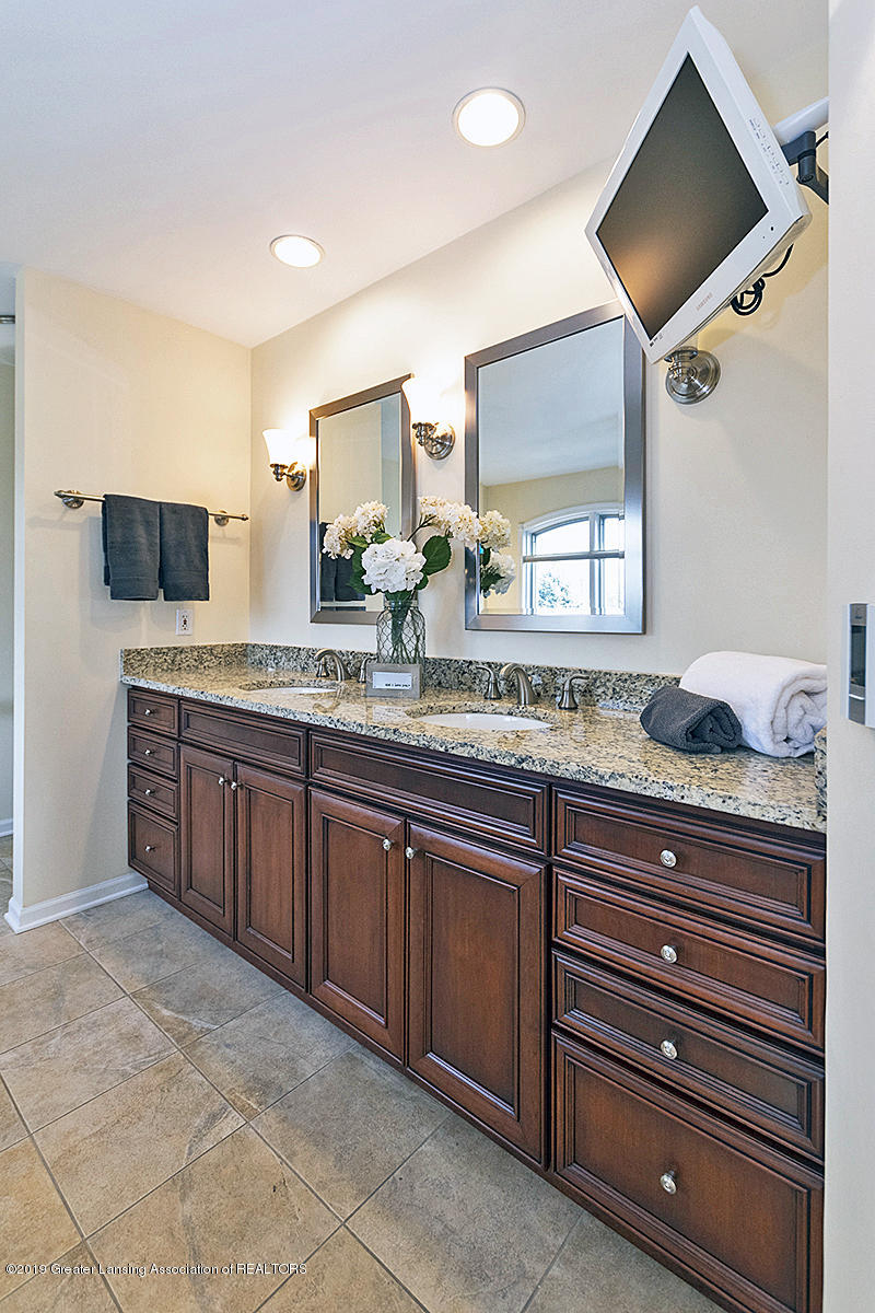 3557 Chippendale Dr - 08 - 22