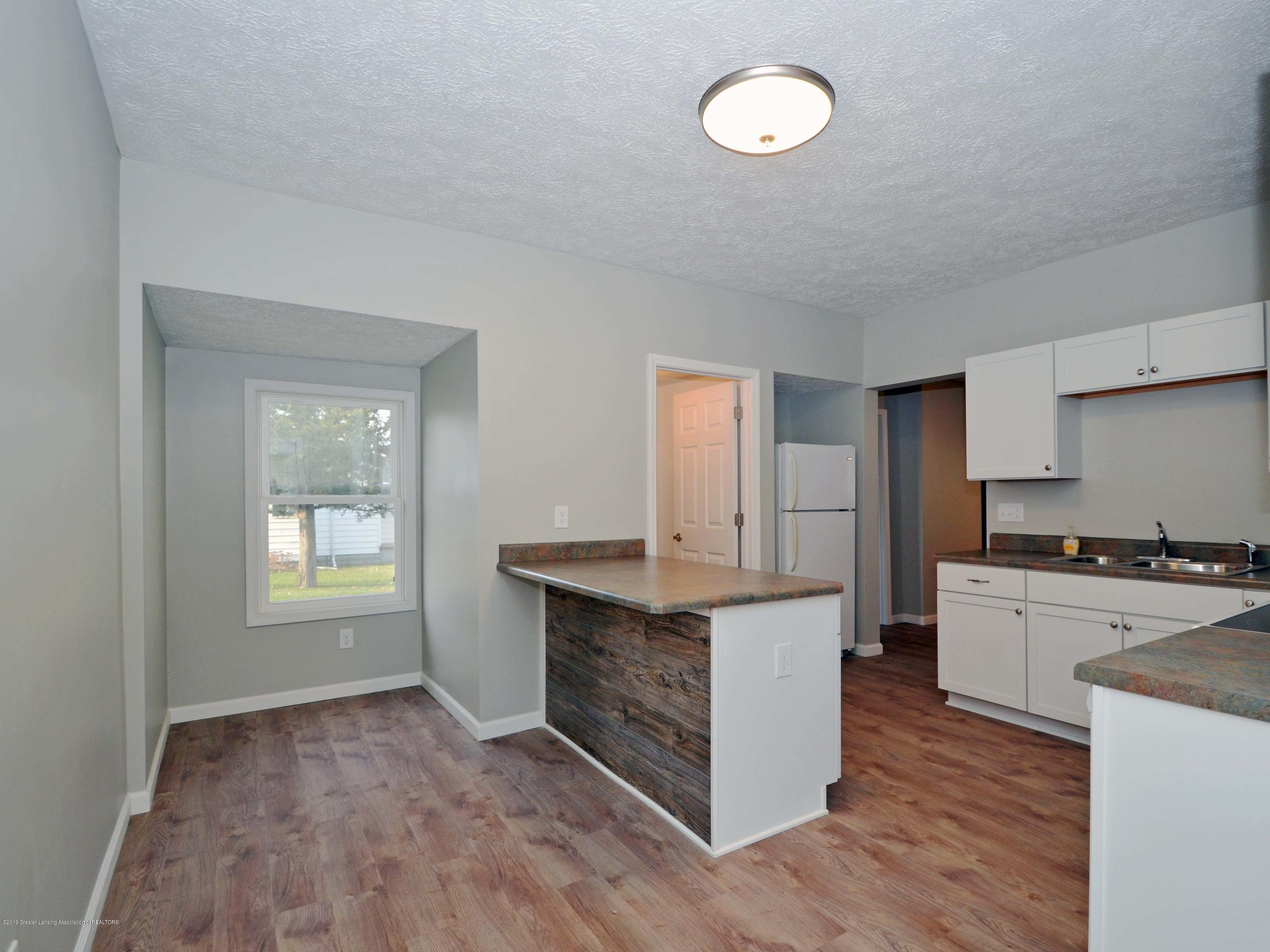 908 Water St - Kitchen - 7