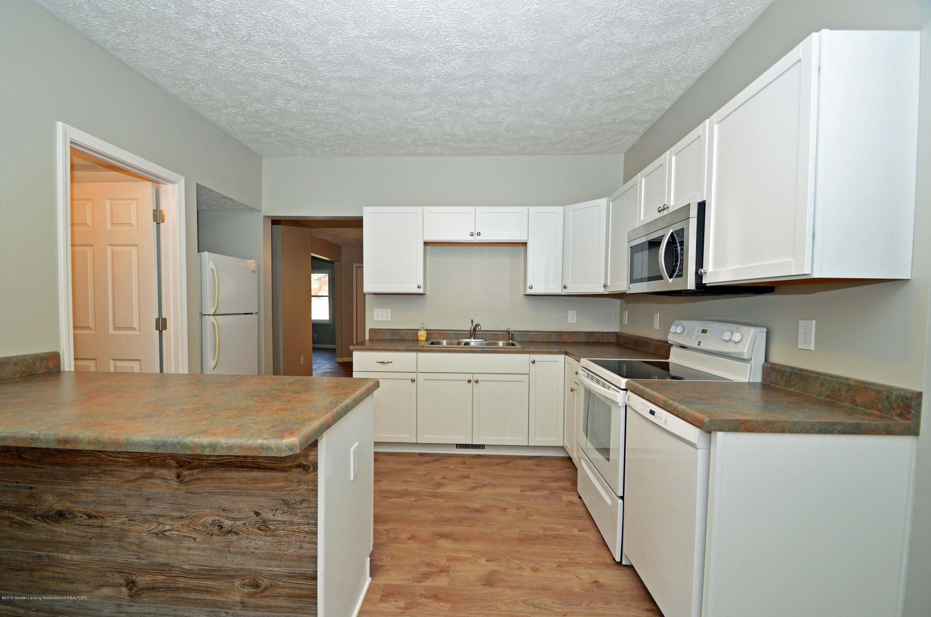 908 Water St - Kitchen - 11
