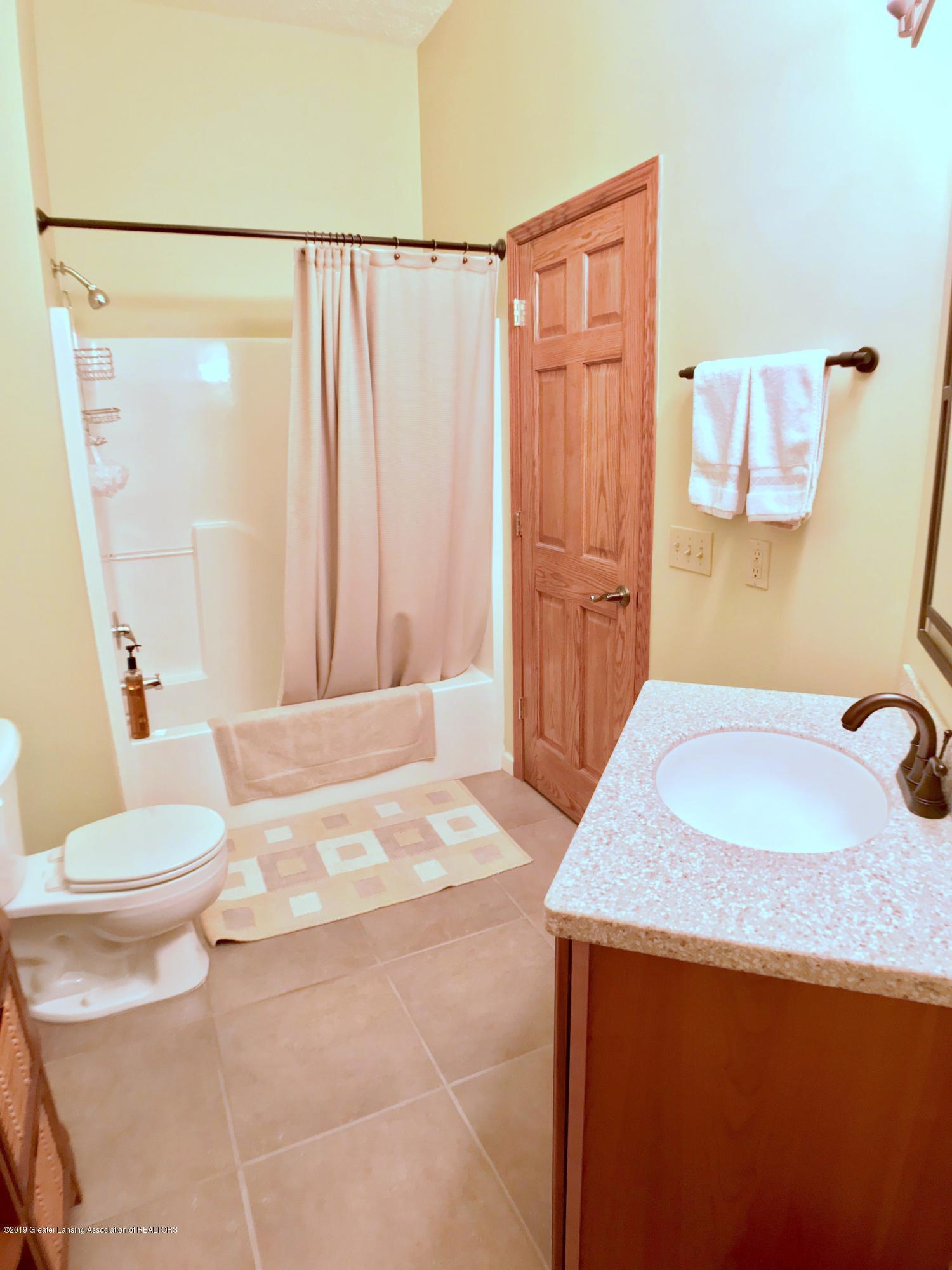 1321 Turner Rd - Full Bath - 16