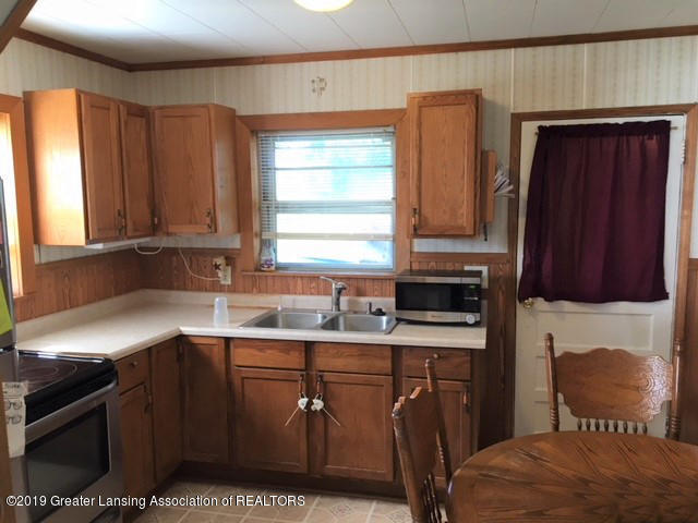 11799 W Jolly Rd - Kitchen - 6