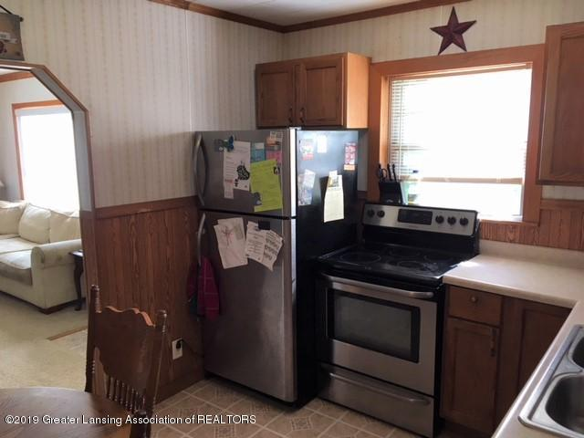 11799 W Jolly Rd - Kitchen - 7