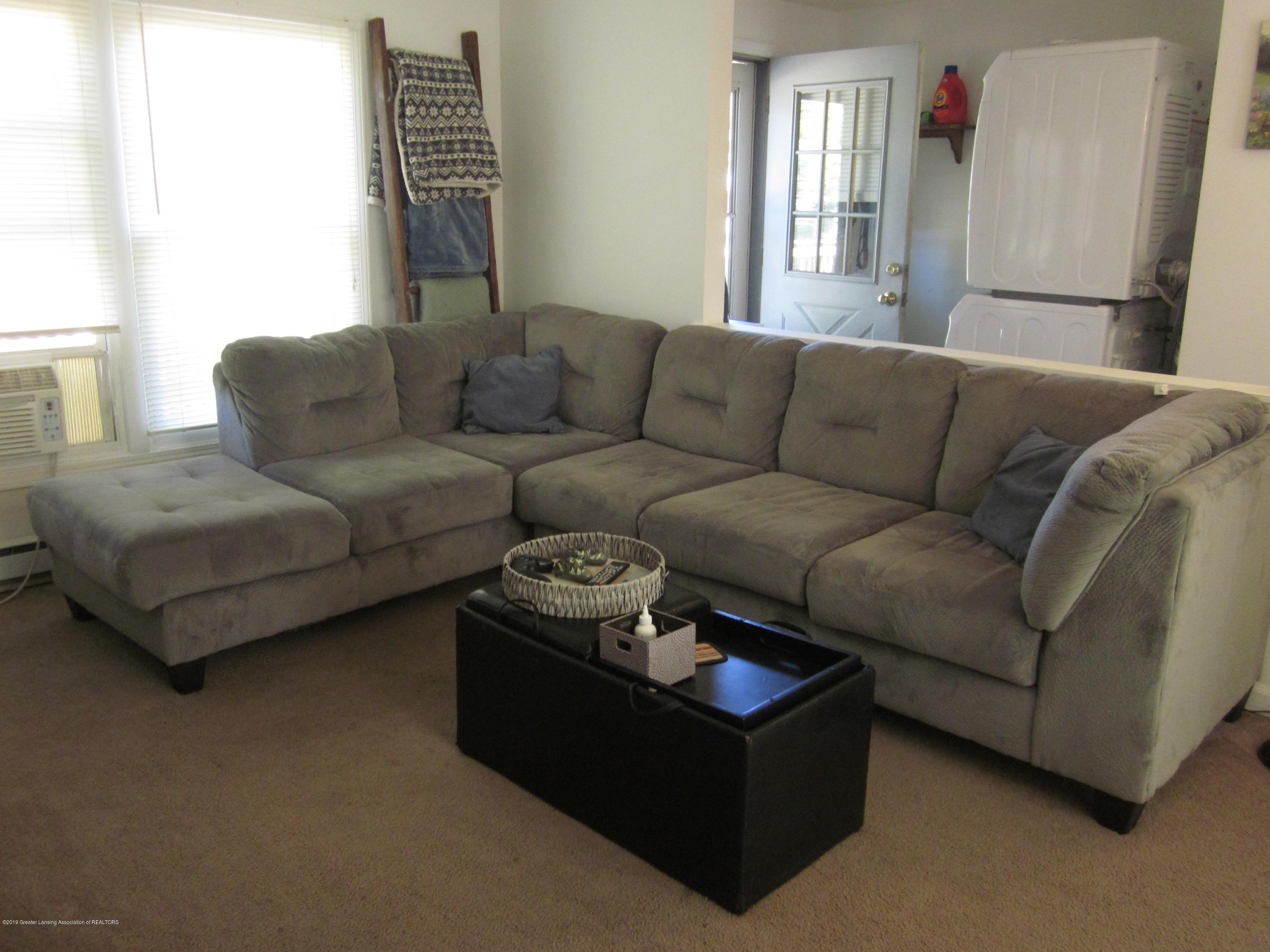 535 S Magnolia Ave - Living room - 7