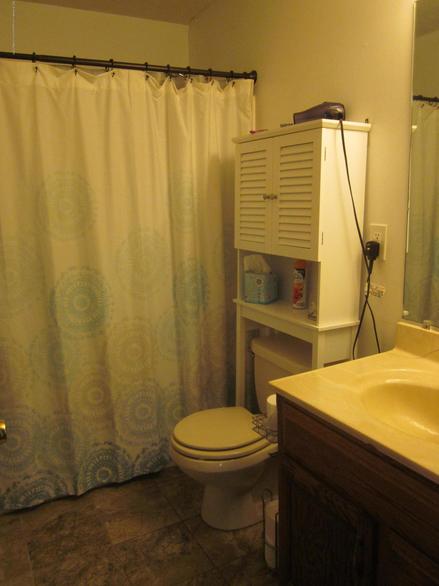 535 S Magnolia Ave - Bathroom - 10